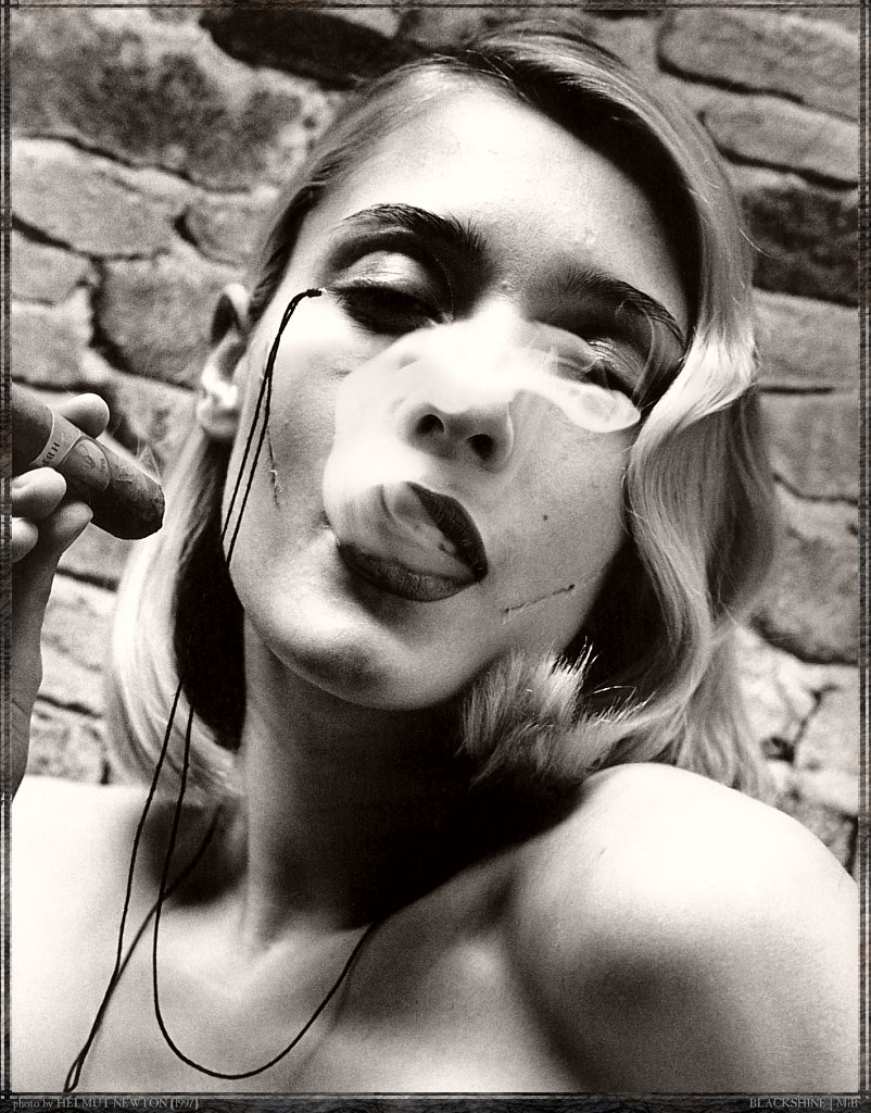 Helmut Newton Photos